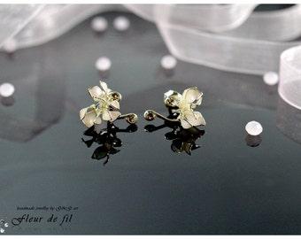 Handmade earrings, Small earrings, Flower earrings, Swarowski earrings, Silver wire earrings, Crystal resin earrings