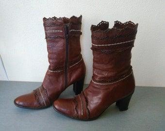 Vintage Women's Leather Boots / Women's Boots / Leather Boots /  Beautiful Retro Boots /  elegant Boots / Tall Boot /  Vintage Lady shoes