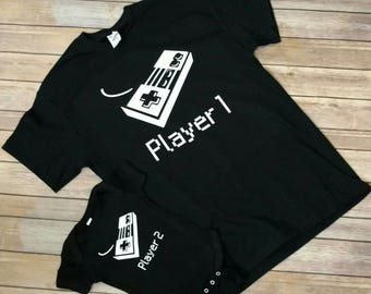 Player 1 Player 2 Matching Sets New Parent Gift- Nintendo Controller - Father Daddy Matching Outfits, Dad and Baby Matching Shirts Bodysuit