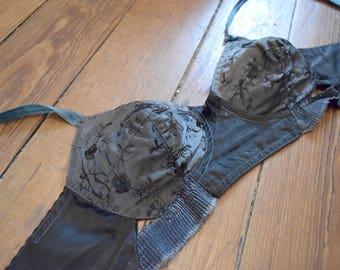 Rare vintage bra 1950's Pin Up babydoll 95A - B satin gray flower / / Vintage bullet bra 36A UK - US pinup retro grey flower