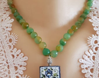 Necklace with ceramic tile glazed Caltagirone and green agate