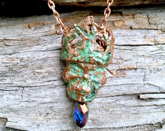Pirate king skull pendant / jewelry Skull & crystal / treasures from the sea / aged copper / patina skull / Goth jewelry  / rockabilly