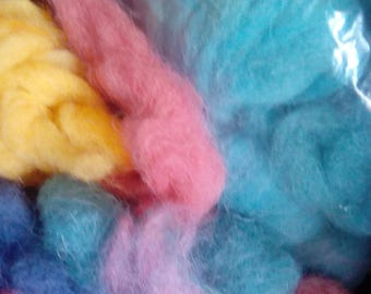 Carded wool for spinning or needle felting