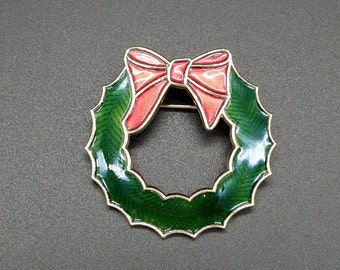 Vintage Red and Green Enameled Christmas Wreath Pin/Brooch