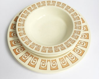 Harmony House, 2 dinner plates, 2 bowls, orange pattern