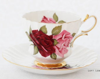 Sweet Queen Anne, England Pink Roses teacup and saucer, goldgilt foot, large 'velvet-like' Roses, in-and outside of the cup, c1960/1970s