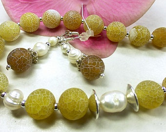 Yellow precious set of frosted agate