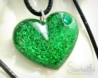 Sparkly emerald green heart necklace, statement necklace, womens jewellery, statement jewellery, Gifts for women, green pendant