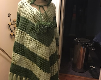 V-shaped two-toned green Poncho
