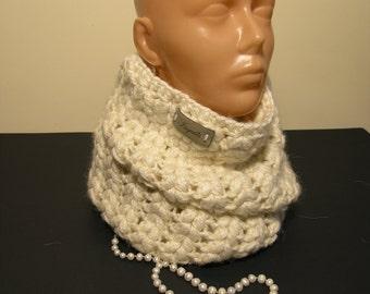 Crochet handmade winter accessory chunky neck warmer,beige snood,warm woollen neck warmer