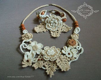 Autumn Crocheted Jewelry,  necklace and bracelet set with flowers and wooden beads, boho, natural cotton, ivory, brown