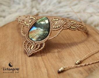 Macrame necklace 'Goddess Labradorite'