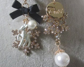 1 paire of Earrings Snowflake and pearl with breloque, strass cristal