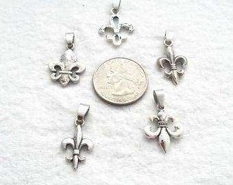 Set of 5 Fleur De Lis Dangles- Lead Free Antique Silver (1553)