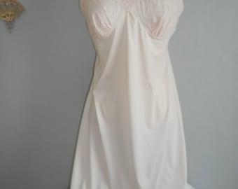 womans lt pink vintage Baronet slip