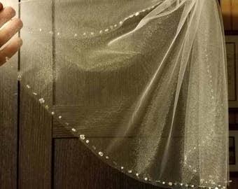Beaded white shoulder length veil/First Communion veil/rhinestone comb