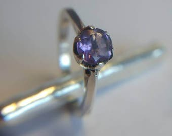 Amethyst crown set ring, size O