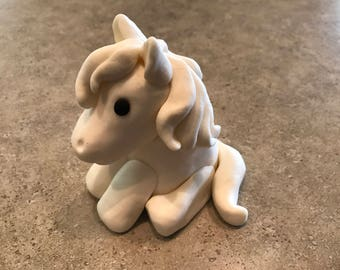 Adorable White Fondant Pony 4.5 Inches Tall
