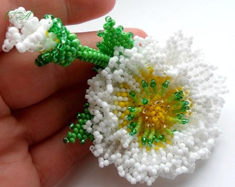 Wedding Brooches Flower bead White flower bead A beaded brooch Flower brooch Brooch handmade Wedding boutonniere For her Beaded jewelry