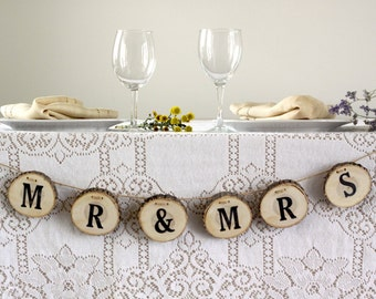 Mr & Mrs Sign, Mr and mrs Banner, Mr and Mrs Head Table Sign, Mr and Mrs for Sweetheart Table, Rustic Wedding Decor, Wedding Decorations