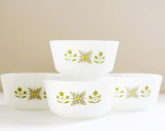 Vintage Pyrex - Anchor Hocking- Fire King -  Small Round Ramikins - Custard bowls  -  'Meadow Green' Design - MilkGlass  - 1960's - 70's Era