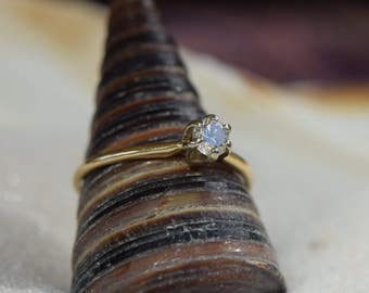 14 Karat Yellow Gold Approx. 0.28ct Diamond Antique Solitaire Ring, US Size 7.25, Used Vintage