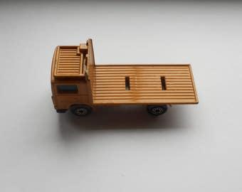 1981, 08:1 Matchbox refuse truck, made by Lesney - base only - orange