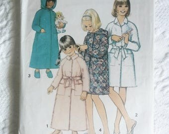 1970's Simplicity #5838, Girls Robe Size 10 Bust 28