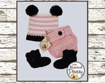 Crochet Pom Pom Hat with matching diaper cover and booties, 0-3 month