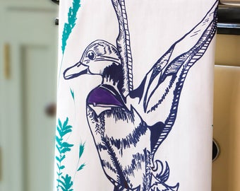 Flying Duck Tea Towel, Original Design, Screen Printed in the UK on 100% Cotton.  The perfect gift for any occasion.