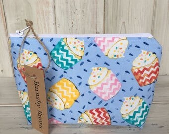 Small Make Up Bag,Cosmetic Bag,Toiletry Bag,Zipper Pouch,Wash Bag, Purse, Accessory Bag,Fabric, Handmade,Cupcake Fabric