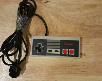 Original Nintendo NES Controller Authentic Nintendo ! NES-004.  From NintendoTopia