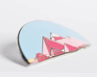 Pyramids at Giza hard enamel pin