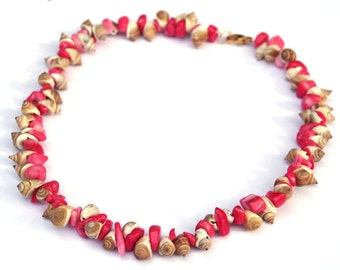 Coral and Shell necklace - Pink coral - Natural sea shells - Beach wear - Summer jewelry - gold wire necklace