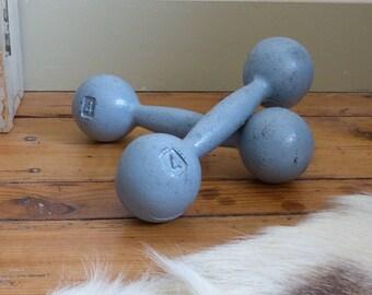 haltères fonte gris bloque porte serre livre presse papier sport antique Old dumbbells cast iron gray