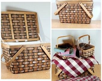 PICNIC BASKET Set Tailgate Retro Picnic Hamper with Accessories Cute Vintage Basket w Picnic Tablecloth & Napkins Glasses