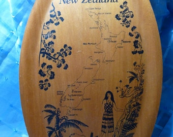 Vintage Oblong- Shaped New Zealand Bamboo Tray