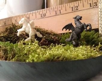 Set of 2 Miniature flying horses pegasus for fairy garden / succulent / terrarium / mini garden