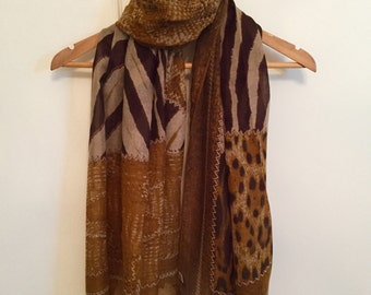 Beautiful leopard/animal print scarf