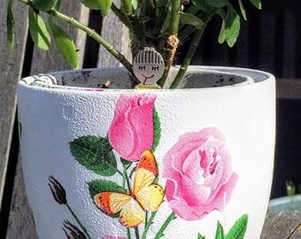 Plant pot in flower & butterfly theme