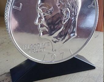 Vintage 1971 Eisenhower Dollar ~ Coin Bank  ~ Brand new in original Box