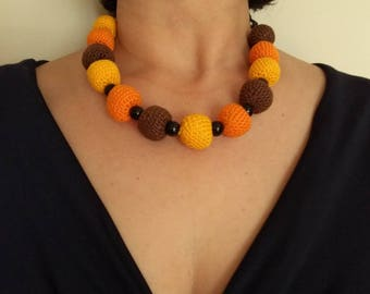 Short and earrings, necklace handmade (crochet)