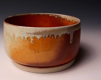 Pottery, serving dish, clay, ceramics, hand-made, wood-fired, ash glaze, texture, shiny,