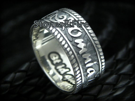 KING SOLOMON RING _Silver Ring with Latin words _Omnia