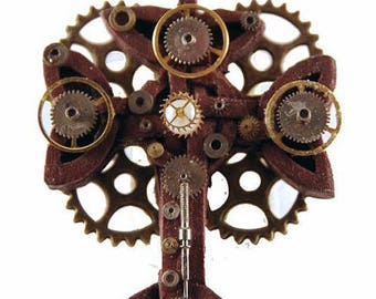 steampunk key Schlüssel pendant necklace across the cross