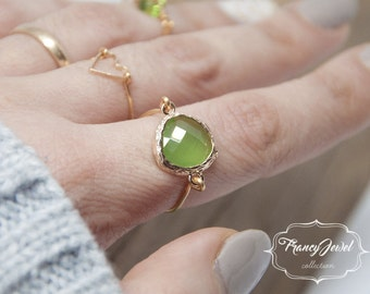Valentine's gift, maxi ring, gold ring, green stone, unique ring, handmade ring, 18k gold plated, made in Italy, not tarnish jewelry