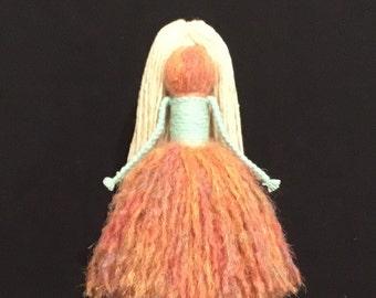 Yarn Doll (Sm) 1735