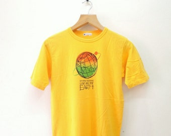 Vintage 24Hours Television Love Saves The Earth T-Shirt Chari-T Street Wear Swag Top Tee Yellow Color Size M