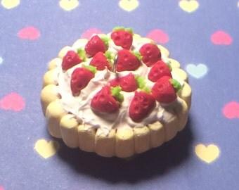 Strawberry spongefinger cake charm, cutecharm,kawaii,strawberrycharm,cellphonecharm,miniaturefood, dessertcharm,cakecharm