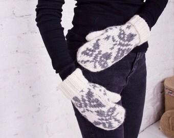 Knitted mittens Merino wool mittens Nordic mittens Knitted gloves Icelandic wool mittens Hand knit mittens White women gloves Arm warmers
